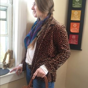 Sag Harbor velvet/velour cheetah print shirt