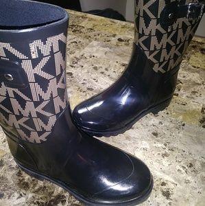 MICHAEL KORS Glossy Logo Rain Boots 6