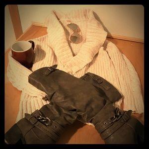 Cozy Mossimo Cream Colored Sweater - Size XS