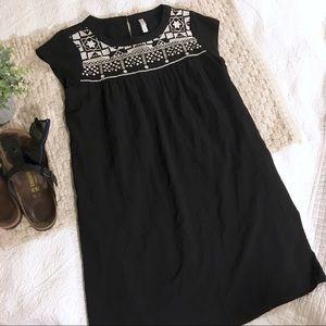 Xhilaration Black and White Bohemian Shift Dress