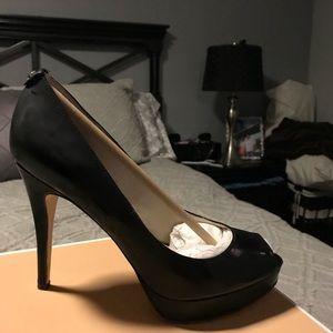 Black patent leather Michael kors shoes