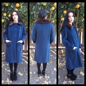 Vintage blue 50's coat with fur collar