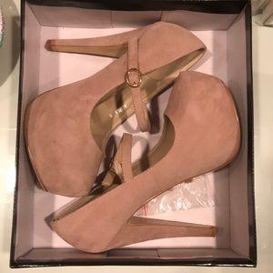 Suede tan heels with buckle