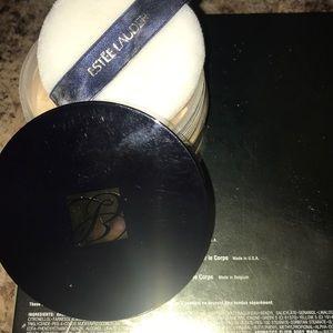 Estée Lauder never used lucidity loose powder