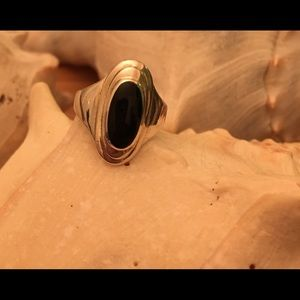 Vintage Sterling Silver Black Onyx Ring. Size 8