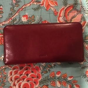 Wine red Fossil wallet!