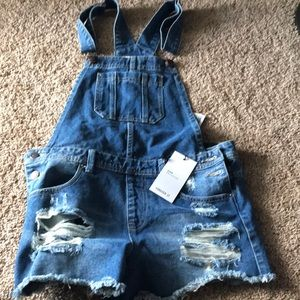 Overall shorts