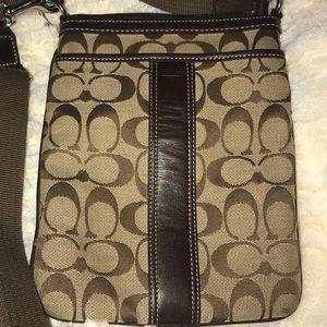 Coach khaki brown swingpack