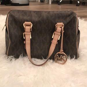Michael Kors brown / tan tote purse 👛