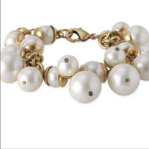 Daphne gold and pearl dangle bracelet