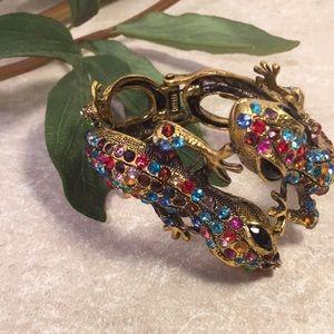 Jeweled gecko lizard hinge bracelet