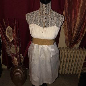 White dress with gold size 9