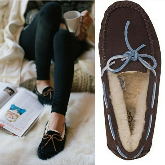 8de7aaabab4 UGG Dakota Bow Tie Suede Slipper