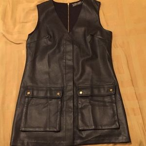 Black leather dress with 2 pockets