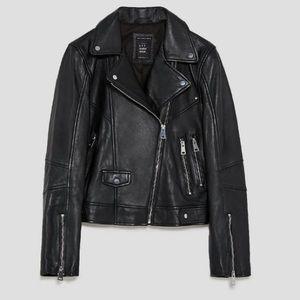 🎁 Zara Woman 100% Leather Jacket 🎁