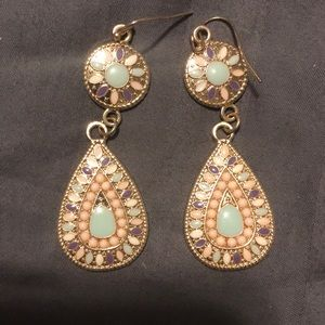 Gold earrings with pastel colors