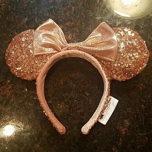 NWT Authentic Rose gold Minnie Mouse ears