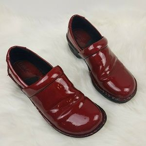 Snazzy Red Clogs sz 8