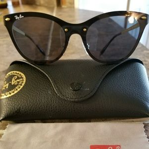 Womans Raybans