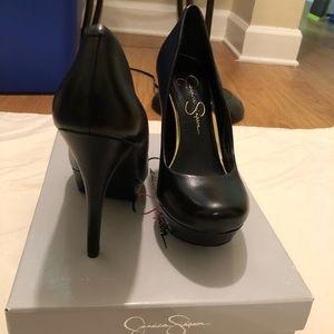 Black, round toe pumps