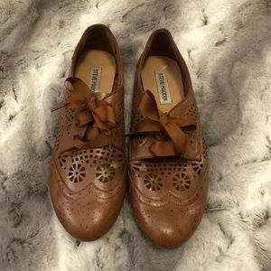 Brown faux leather cutout tie oxfords
