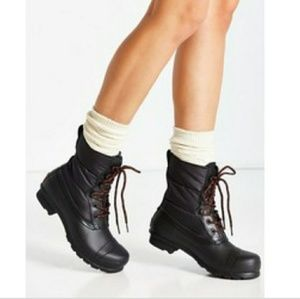 HUNTER Original Short Quilted Lace Up Boot