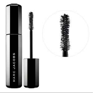 😘 Marc Jacobs Velvet Noir Major Volume Mascara