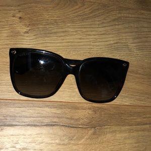 Roundish Square Gucci Sunglasses