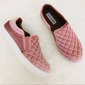 Steve Madden Elorra Pink Quilted Velvet Sneaker