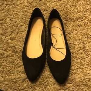 Black pointed flats size 7.5 forever 21