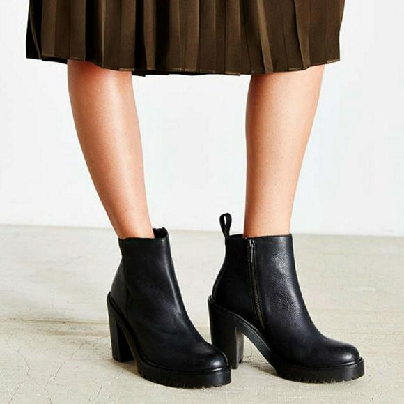 8329dc8e80da2 Dr. Martens Shoes   Drdoc Marten Magdalena Fur Lined Boots   Poshmark