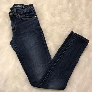 Gap 1969 Skinny Jeans 26L