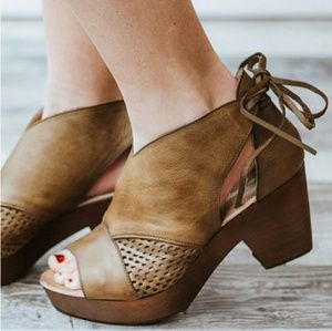 FREE PEOPLE Revolver Leather Tie Clog