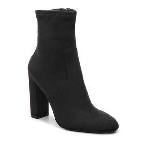 NEWW STEVE MADDEN SUEDE EDITOR BOOTIES