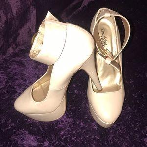Nude heels !!