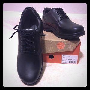 NWT - Men's Dansko Lace-up  Shoes