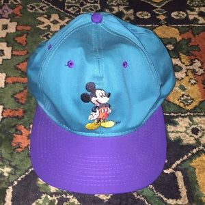 Accessories - VNTG Mickey Mouse SnapBack