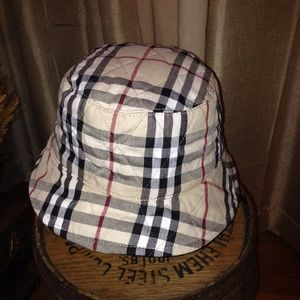 Quilted Reversible Nova Check  Burberry Bucket Hat