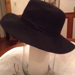 Express Wide Brim Hat