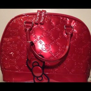 Hello kitty hand bag patent leather  red
