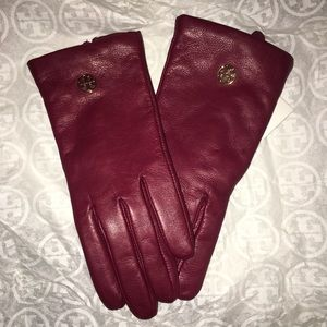 NWT Authentic Tory Burch Maroon Gloves