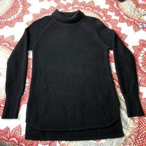 BANANA REPUBLIC Black TurtleNeck Sweater