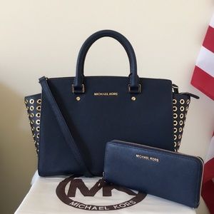 Michael Kors Large Selma With Large Wallet