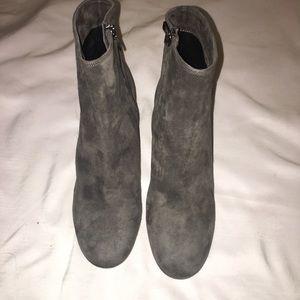 Vince Vero Cuoio Highbury Flare Heel Booties Sz 7
