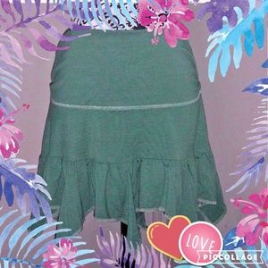 HOLLISTER GREEN Tiered Ruched Mini Skirt L
