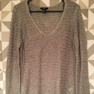 H&M gray v neck sweater