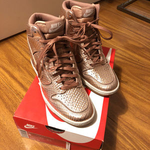 NEW Nike Dunk Sky Hi Sneakers Wedge 6.5 Rose Gold