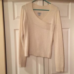 Guess Soft Cream Colored Sweater NWOT