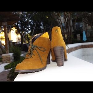 gold  comfortable booties!