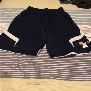 Under Armour Shorts - Under Armour Size M Shorts